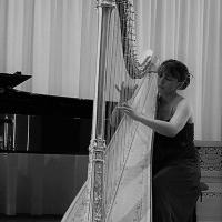 Donne cours de harpe et/ou solfège